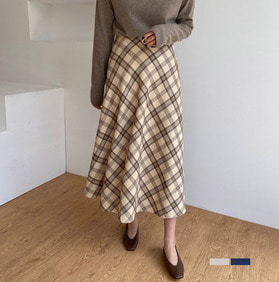 warm check skirt
